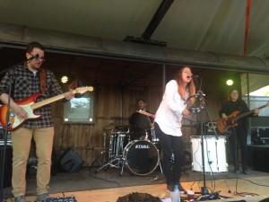 Le groupe Mihaly Flow sur la grande scène